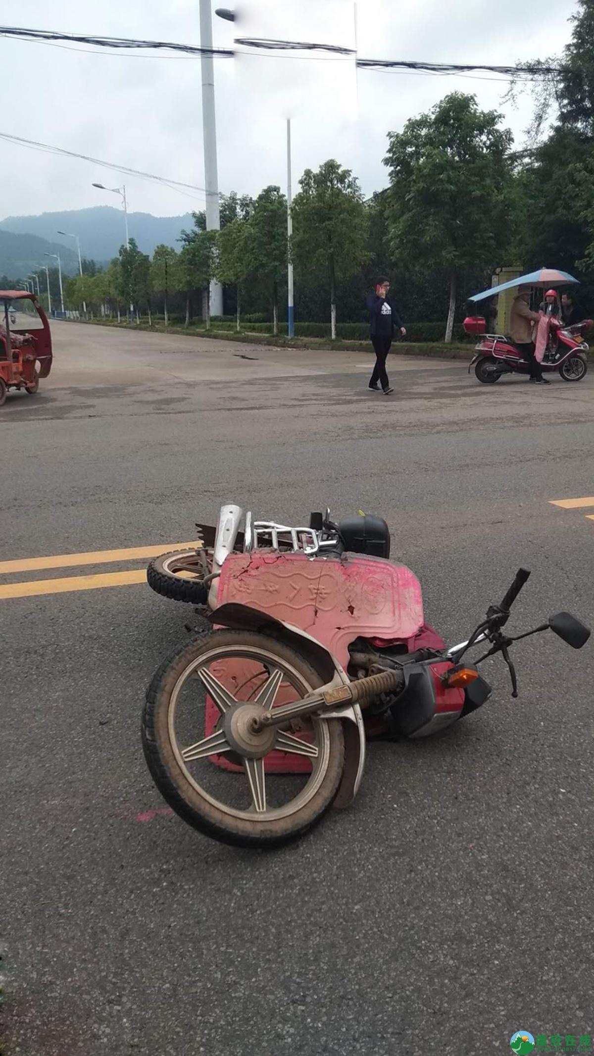 蓬安县河舒工业园区桂花路发生两摩托车相撞 - 第12张  | 蓬安在线