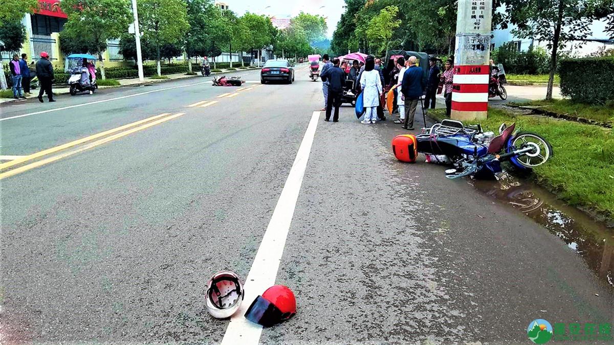 蓬安县河舒工业园区桂花路发生两摩托车相撞 - 第2张  | 蓬安在线