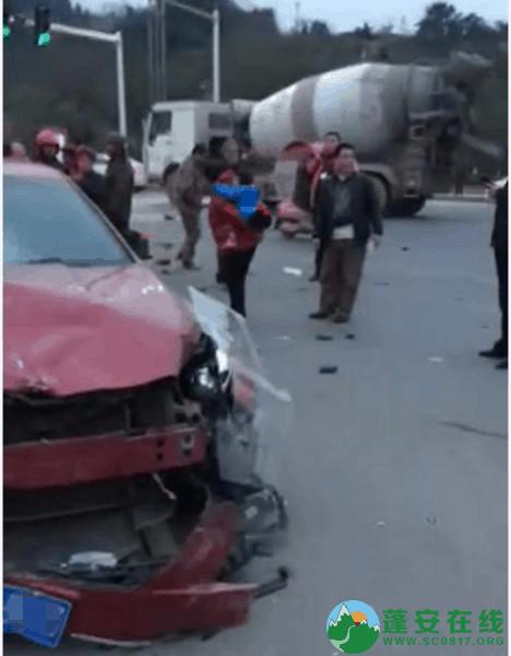 蓬安凤凰大道与棉麻路T字路口发生严重交通事故(2019年2月28日18时) - 第5张  | 蓬安在线