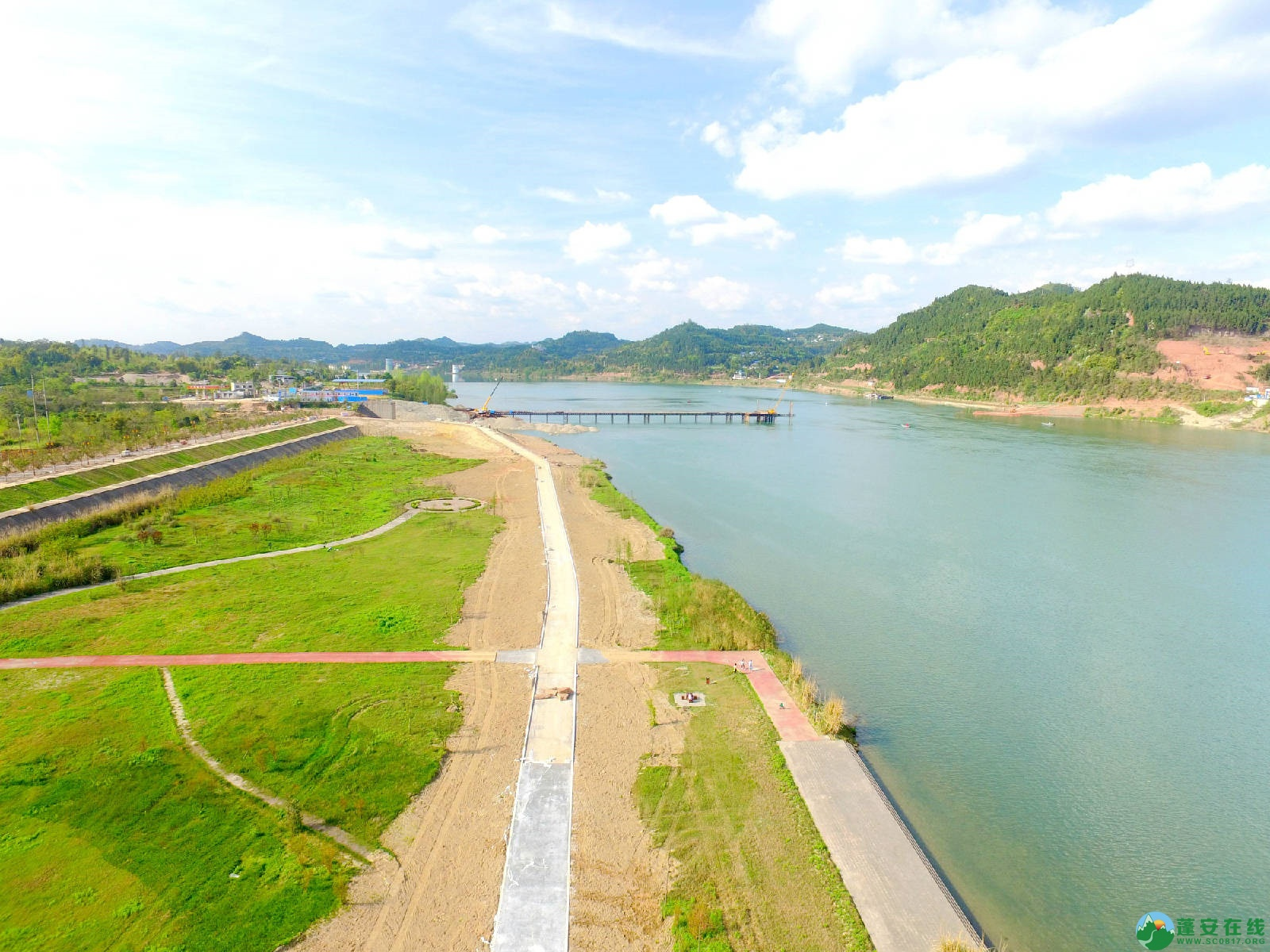 蓬安县锦屏镇湿地公园跑道、纵一道路、干一道工程进度(2018年4月6日) - 第1张  | 蓬安在线