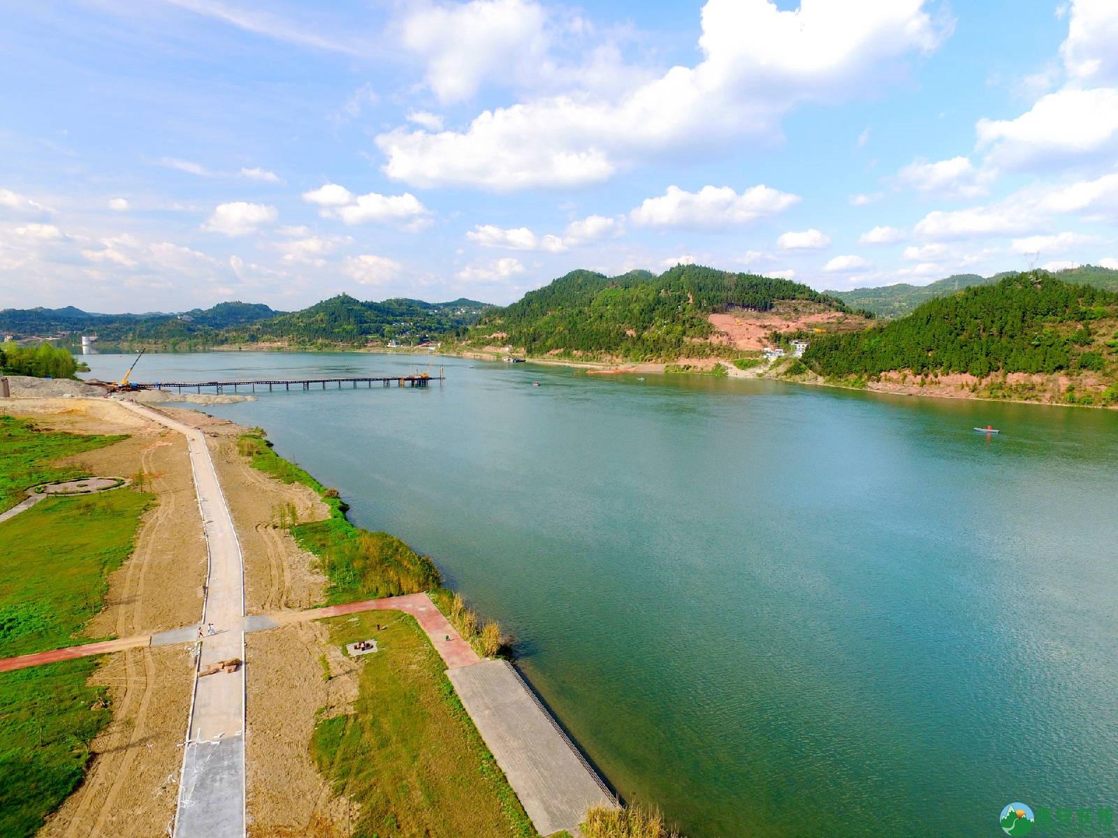 蓬安县锦屏镇湿地公园跑道、纵一道路、干一道工程进度(2018年4月6日) - 第3张  | 蓬安在线