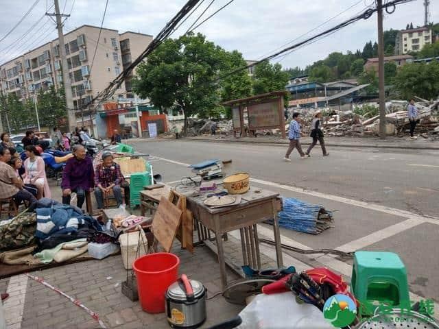 蓬安县嘉陵西路附近部分老旧房屋被拆除 - 第7张  | 蓬安在线
