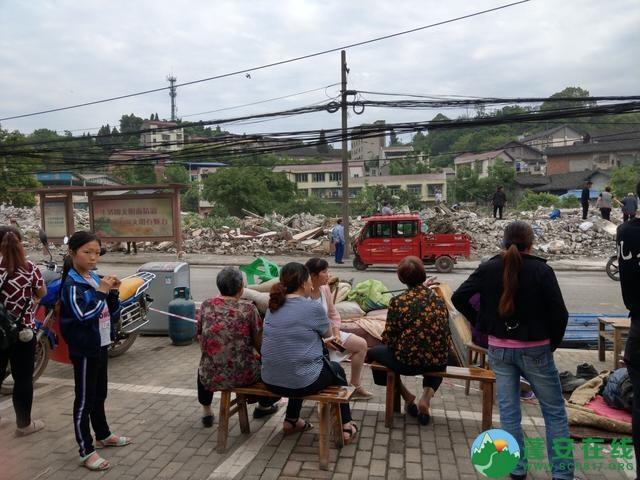 蓬安县嘉陵西路附近部分老旧房屋被拆除 - 第13张  | 蓬安在线