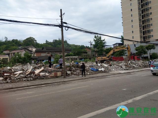 蓬安县嘉陵西路附近部分老旧房屋被拆除 - 第15张  | 蓬安在线