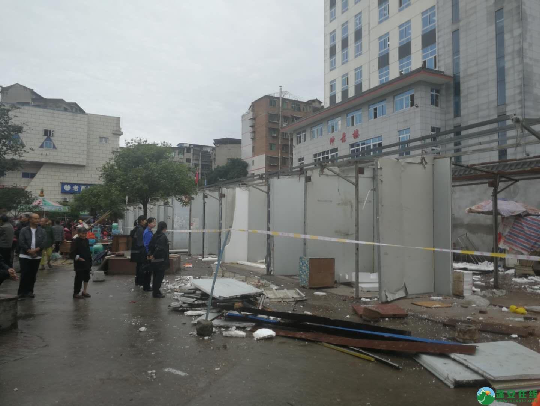 蓬安综合执法局等多部门联合整治老广场成效显著 - 第1张  | 蓬安在线