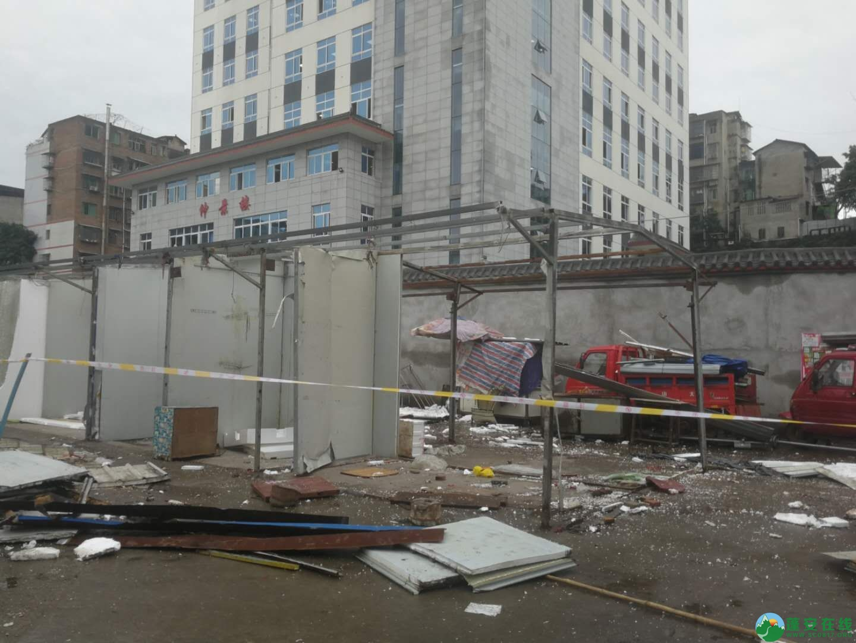 蓬安综合执法局等多部门联合整治老广场成效显著 - 第2张  | 蓬安在线