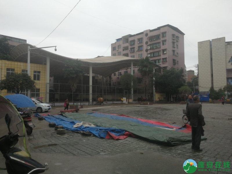 蓬安综合执法局等多部门联合整治老广场成效显著 - 第3张  | 蓬安在线