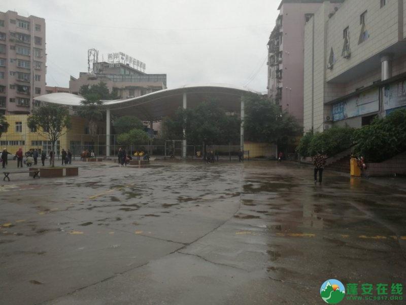 蓬安综合执法局等多部门联合整治老广场成效显著 - 第6张  | 蓬安在线