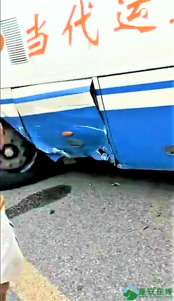 蓬安国道318线发生一起车祸 - 第3张  | 蓬安在线