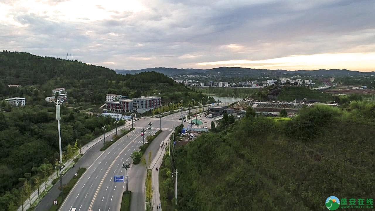 蓬安县凤凰大道江边新貌 - 第2张  | 蓬安在线