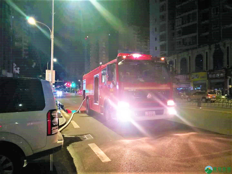 蓬安都市水乡凌晨突发火灾 - 第2张  | 蓬安在线