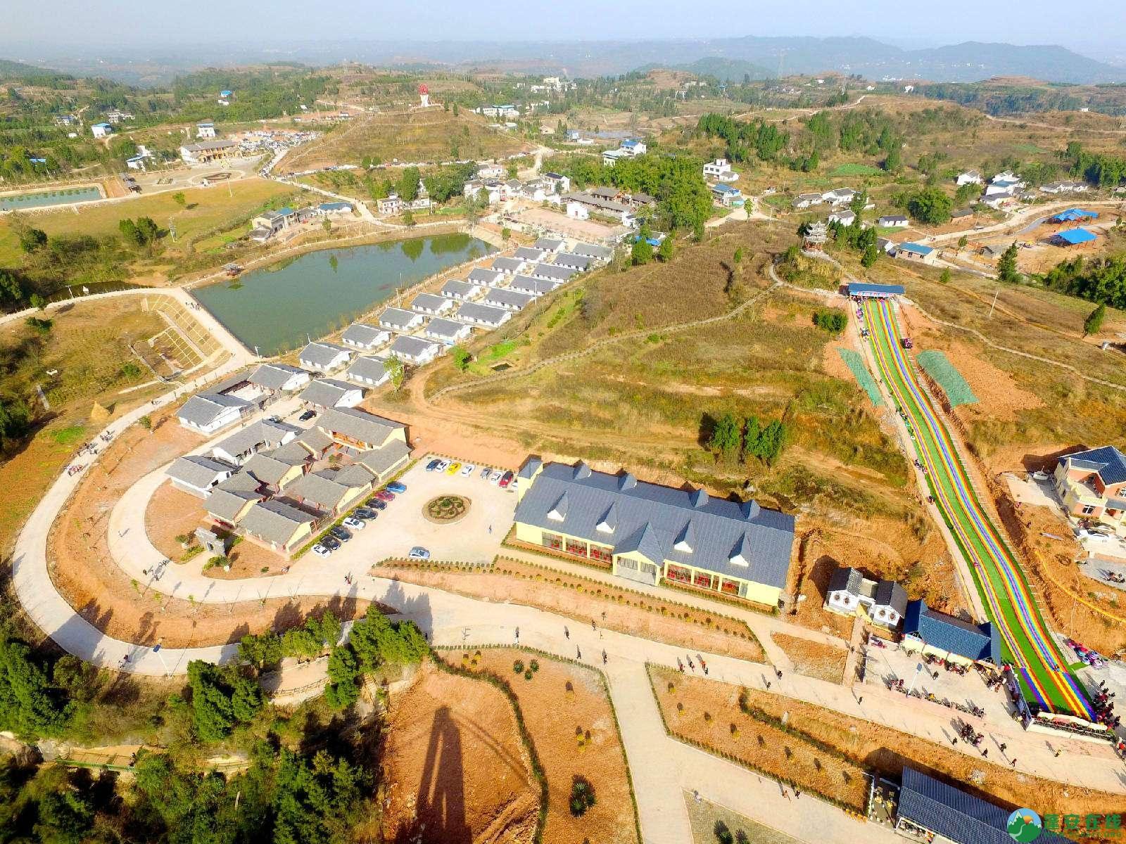 蓬安县正源镇红豆村首个悬空玻璃吊桥正式开放 - 第6张  | 蓬安在线