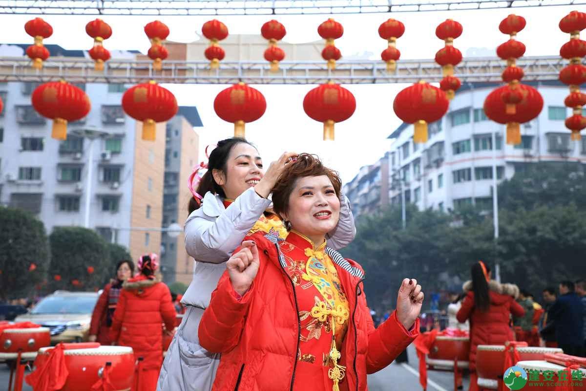 蓬安县2019年迎新春民间民俗街头文艺巡演精彩片段 - 第6张  | 蓬安在线