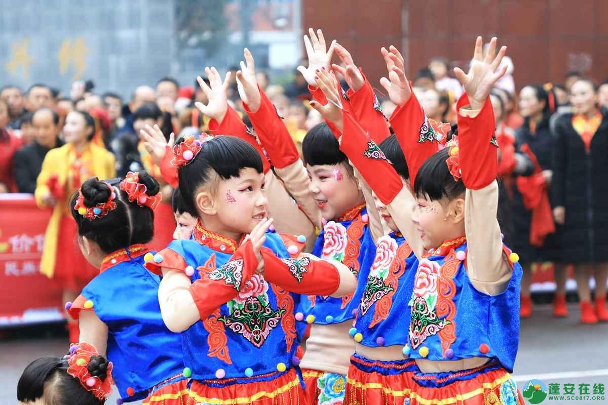 蓬安县2019年迎新春民间民俗街头文艺巡演精彩片段 - 第11张  | 蓬安在线