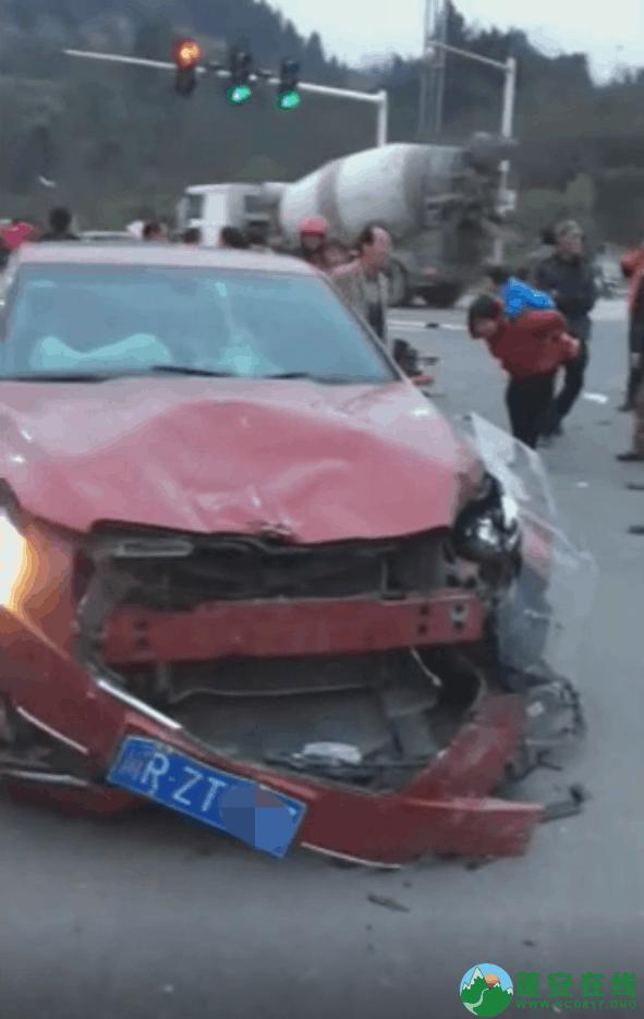 蓬安凤凰大道与棉麻路T字路口发生严重交通事故(2019年2月28日18时) - 第10张  | 蓬安在线