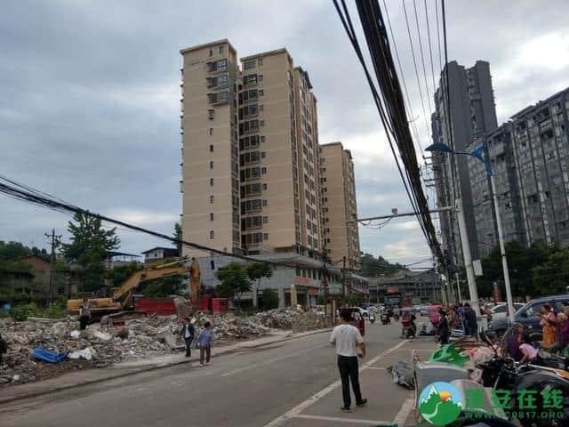 蓬安县嘉陵西路附近部分老旧房屋被拆除 - 第5张  | 蓬安在线