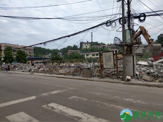 蓬安县嘉陵西路附近部分老旧房屋被拆除 - 第11张  | 蓬安在线
