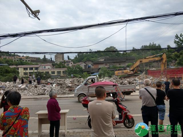 蓬安县嘉陵西路附近部分老旧房屋被拆除 - 第12张  | 蓬安在线