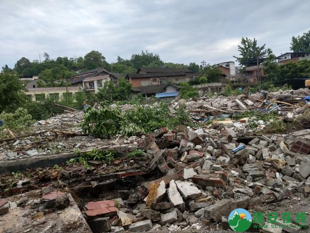 蓬安县嘉陵西路附近部分老旧房屋被拆除 - 第14张  | 蓬安在线